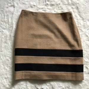 J McLaughlin wool and cashmere blend skirt size 2